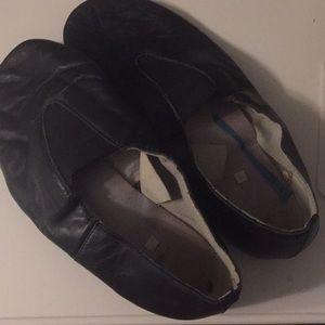 Women's black jzz shoes size 9-9 1/2